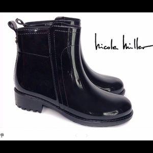 NWOT Nicole Miller Mela Black Rain Boots